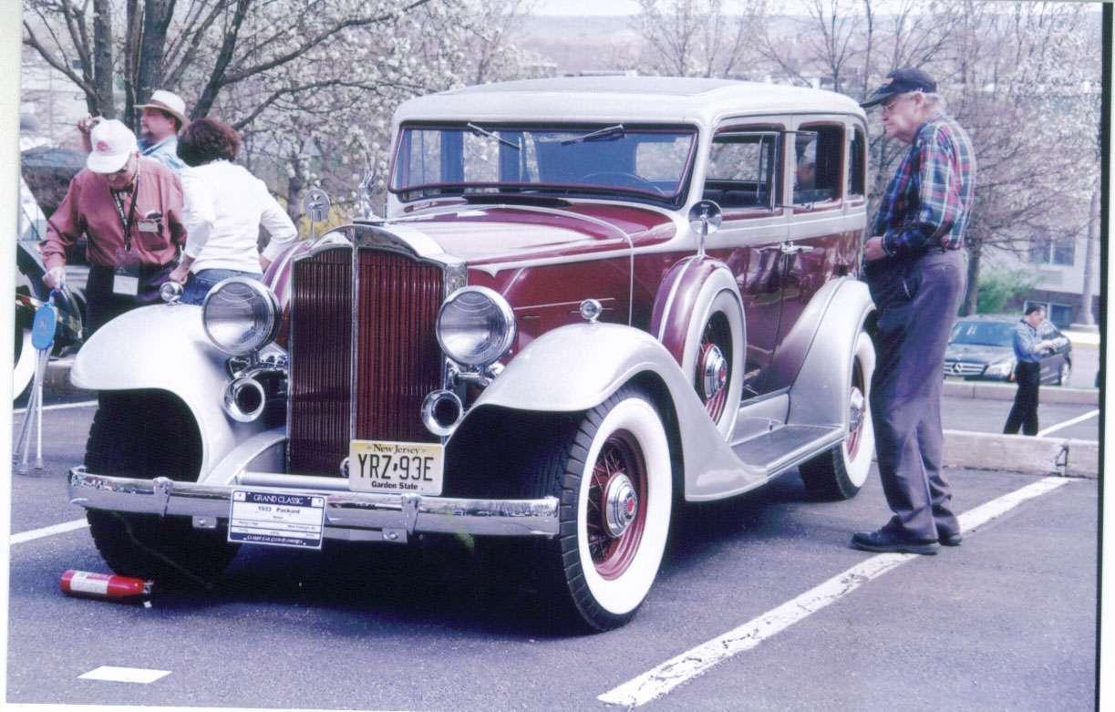 A 1933 1001 sedan, and a 1932