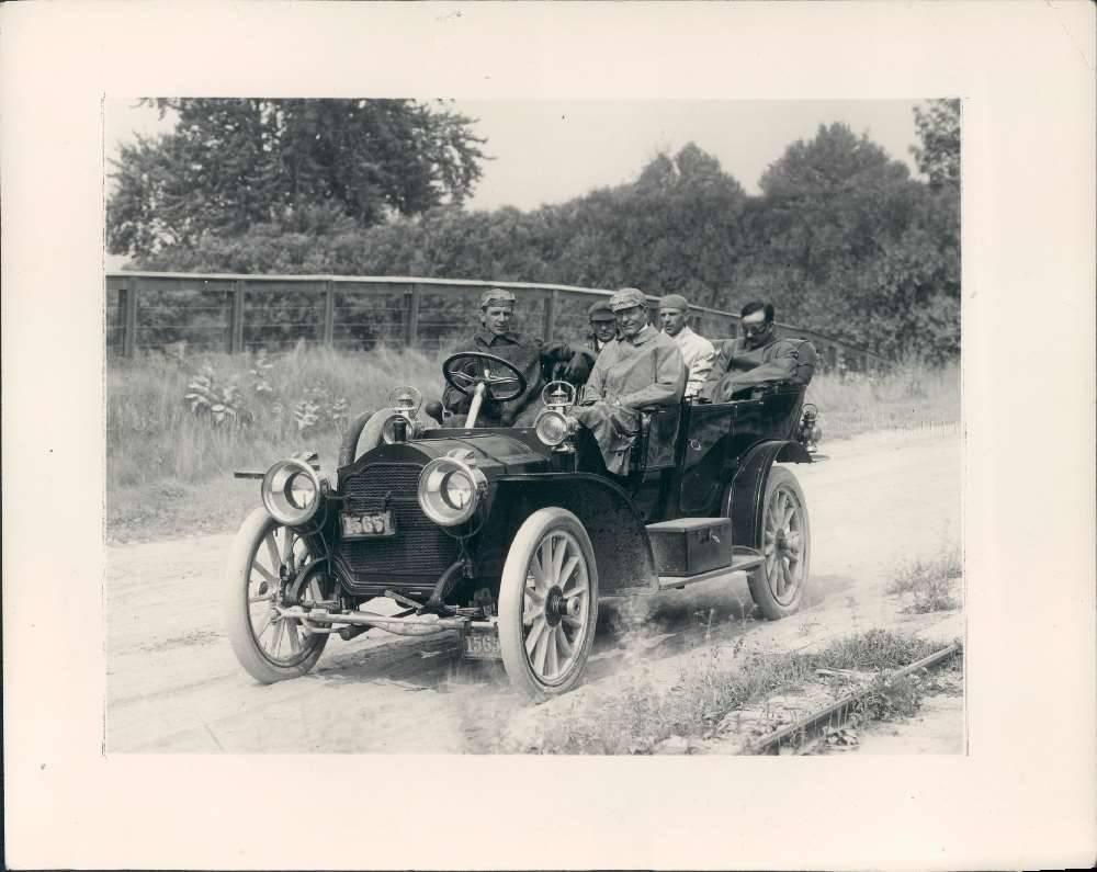 1907 Packard - Col. Sidney Waldon 1.jpg