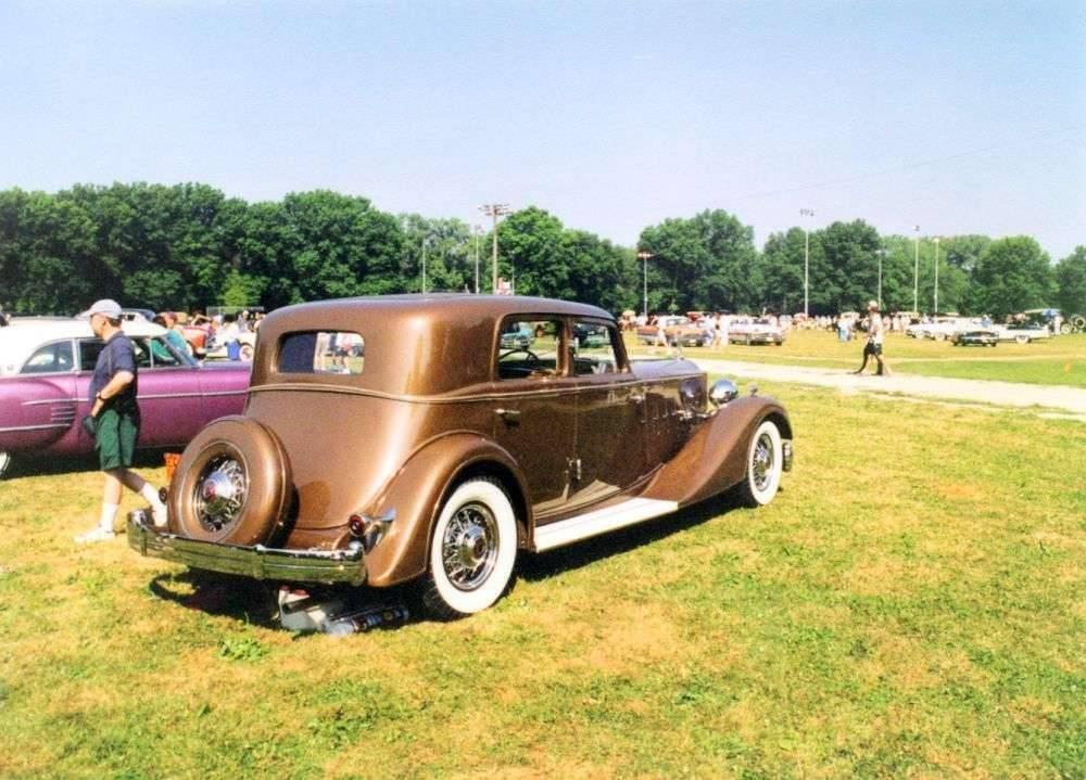 rear view of 1933 1006 Dietrich sport sedan
