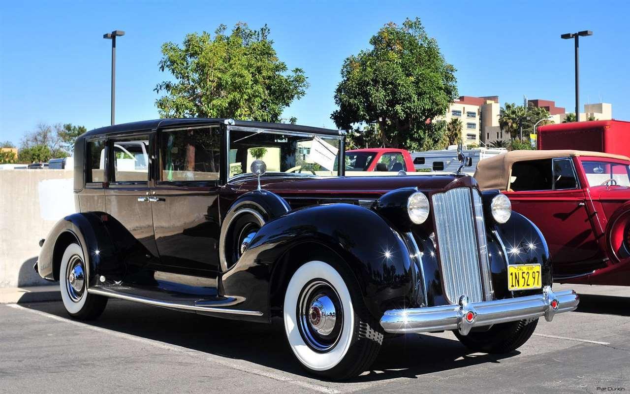 1938 Packard 1608 Town Car