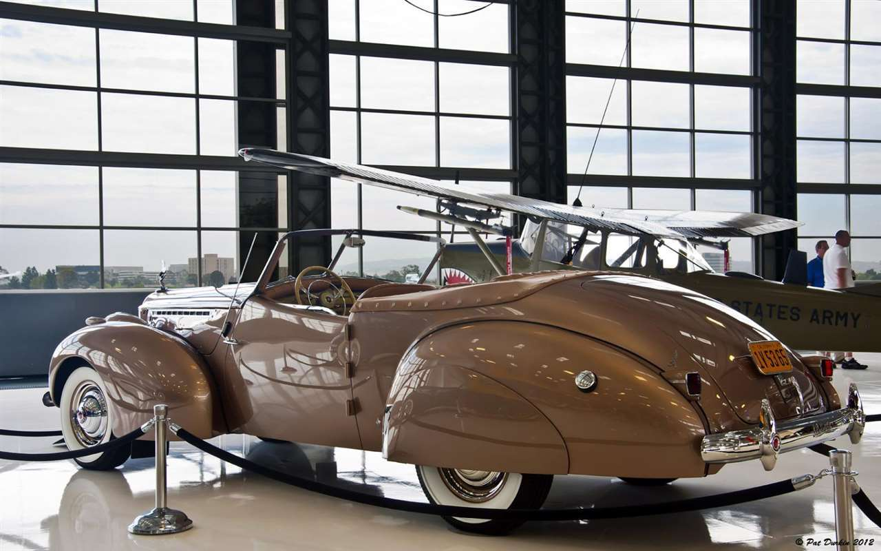 1940 Packard Darrin Custom 180 Victoria Convertible