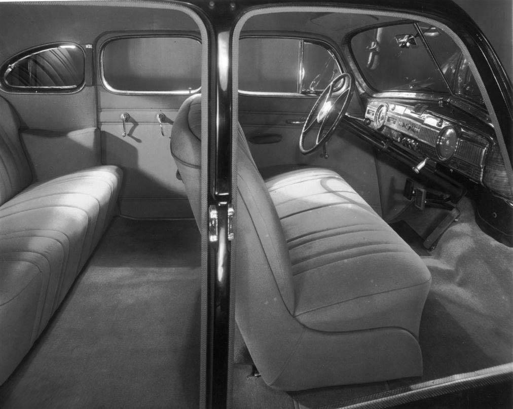 1940_Packard160_InteriorPic