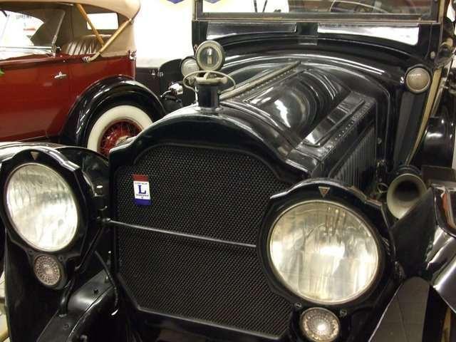 1916 Twin Six Touring Car
