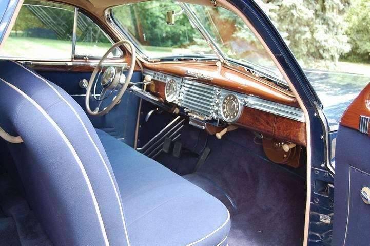 2125-2617 August 2007 Passenger Interior Door View
