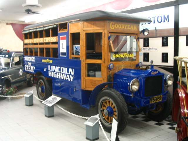 1917 Packard Truck Wingfoot Express