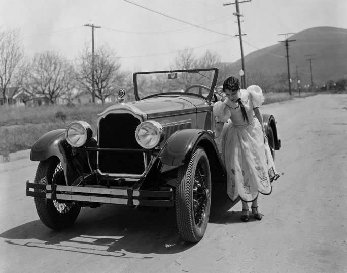 1925-1926 PACKARD ROADSTER WITH LEATRICE JOY