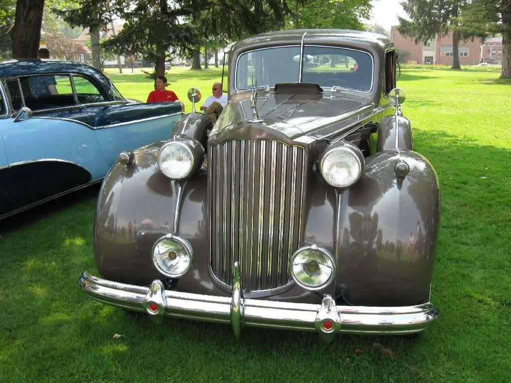 1939 Packard Super 8 Touring Sedan