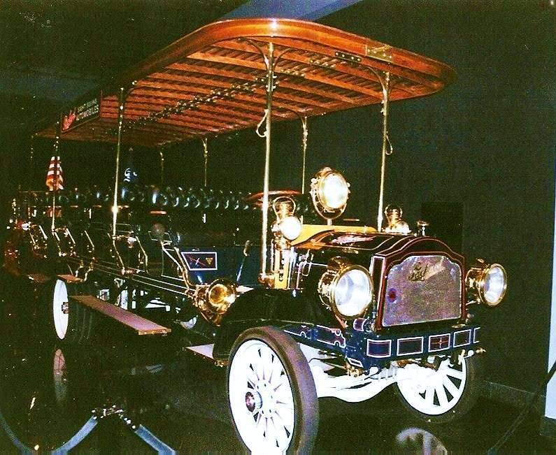 1912 PACKARD MODEL TC TRANSPORT