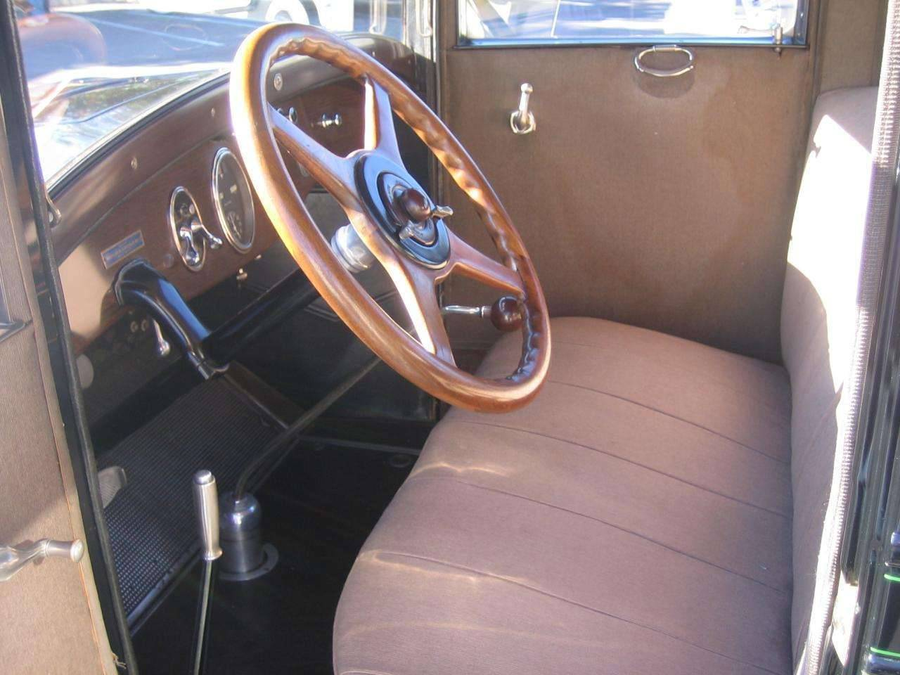 1927-Six Touring Sedan3