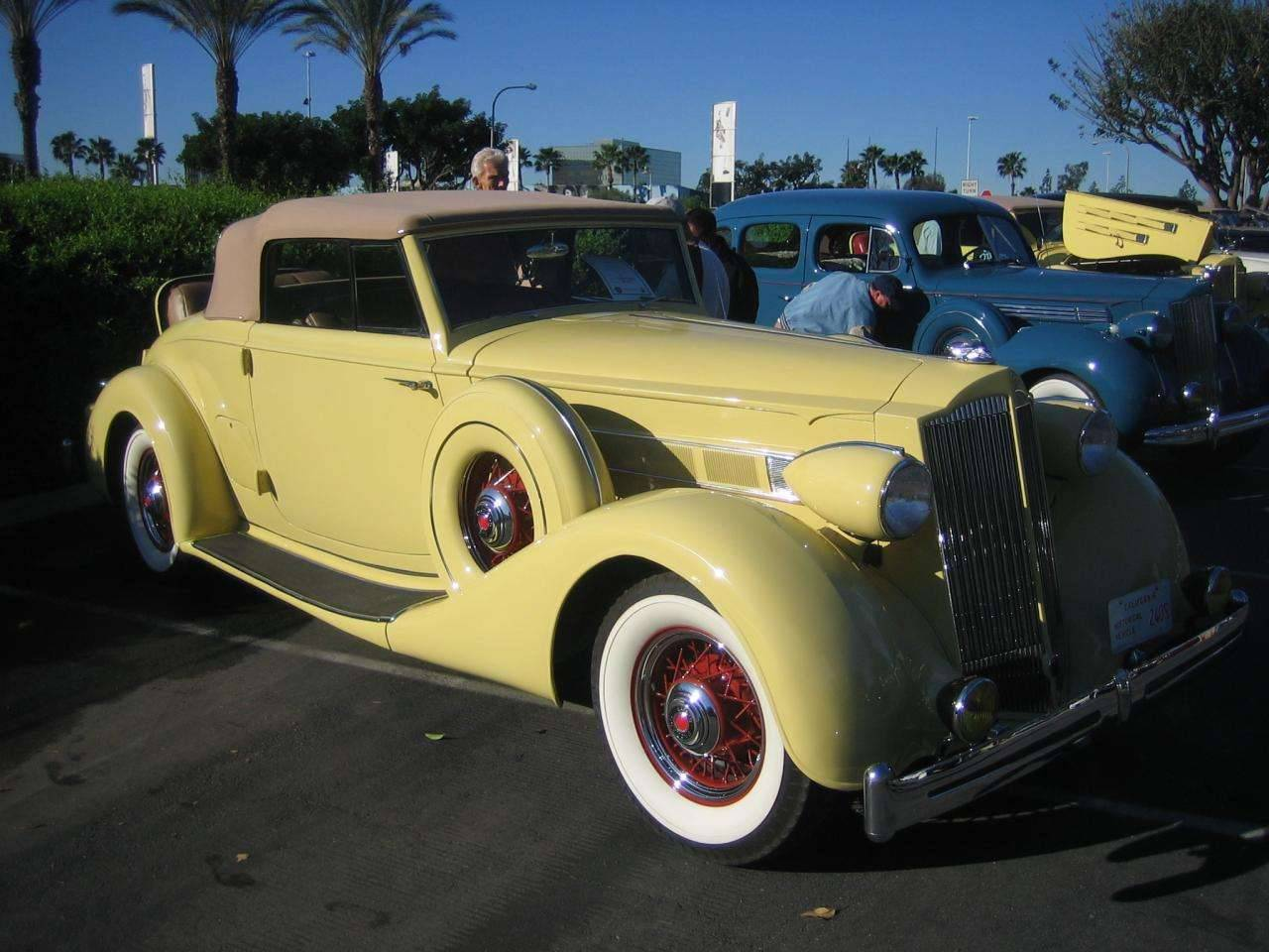 1936 1401 Packard Coupe Roadster