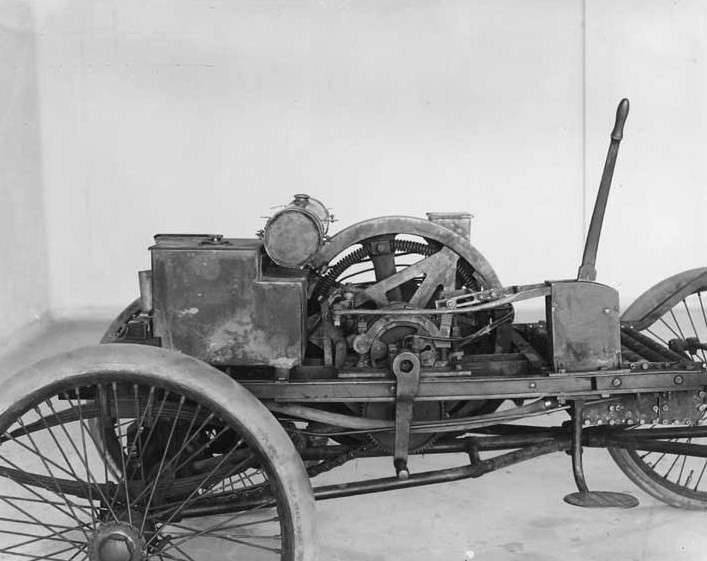 1899 PACKARD MODEL A  CHASSIS-B&W