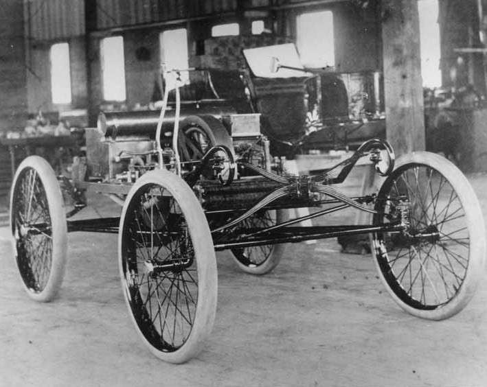 1899 PACKARD MODEL A CHASSIS IN THE FACTORY-B&W