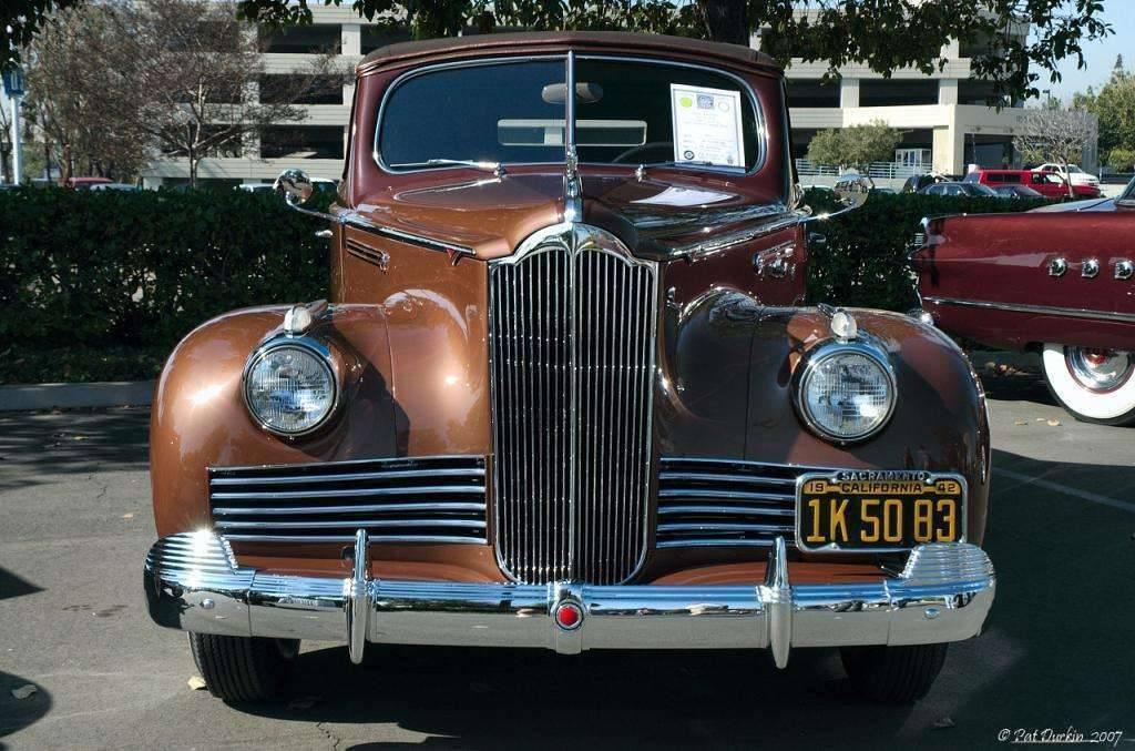 1942 Packard 110 convertible - front