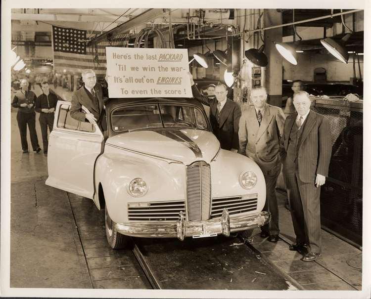 1942 PACKARD CLIPPER SPECIAL 4DR SEDAN 'LAST CAR BUILT' AT FACTORY-B&W