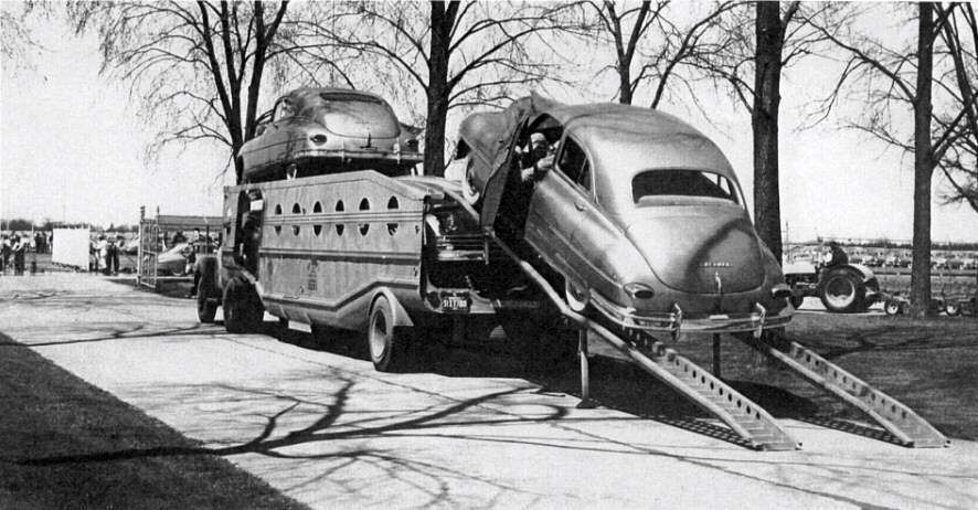 1949 PACKARD GOLDEN ANNIV CARS PRESS PHOTO-UNLOADING