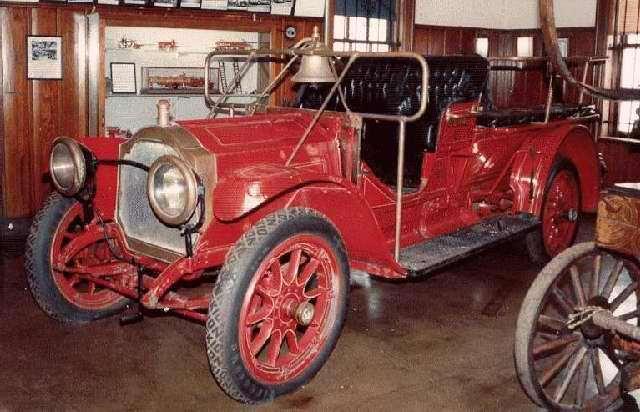 1910 PACKARD 30 FIRE TRUCK