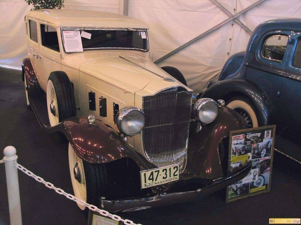 Packard 1932 909 4dr sdn CrmMrn rsfv