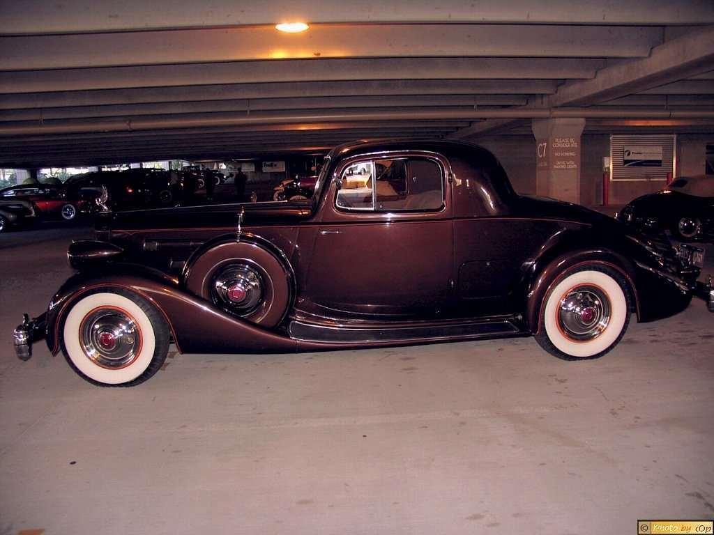 Packard 1935 Twelve 2-4P cpe Mrn lsv