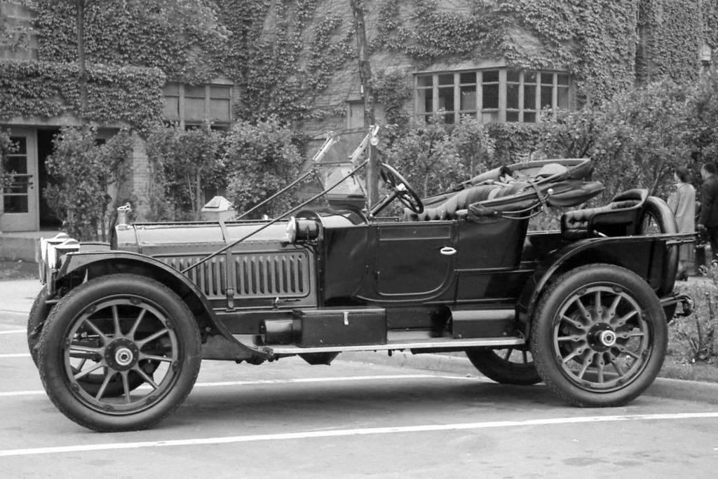 1912 PACKARD ROADSTER-B&W
