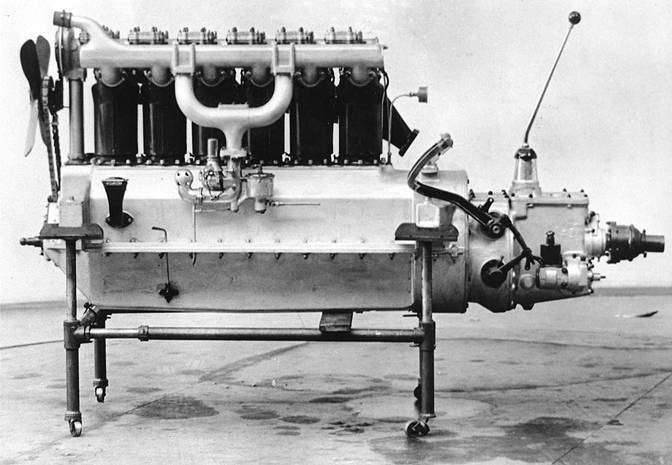 1918 PACKARD 'VICTORY SIX' ENGINE-B&W