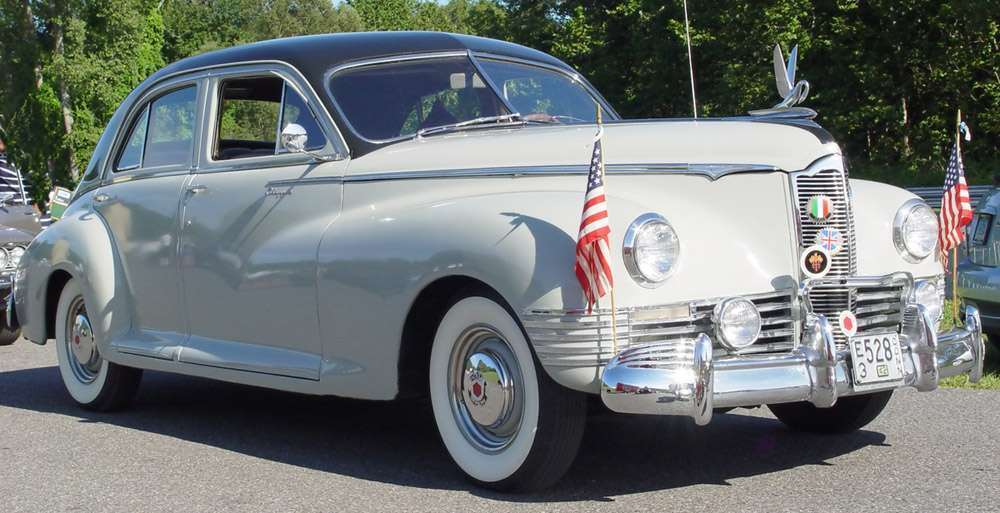 1942 PACKARD CLIPPER EIGHT 4DR SEDAN-GRAY&BLACK