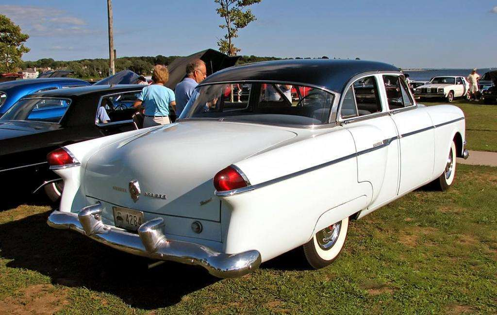 1954 PACKARD CLIPPER DELUXE 4DR SEDAN