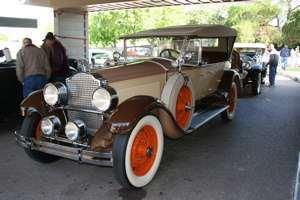 1927 Eight Open Touring.jpg