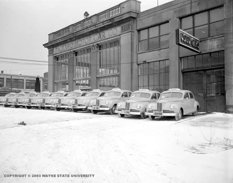 574 East Jefferson and 41 Clipper taxis