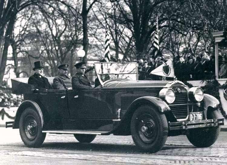 1924 PACKARD SINGLE EIGHT TOURING-B&W