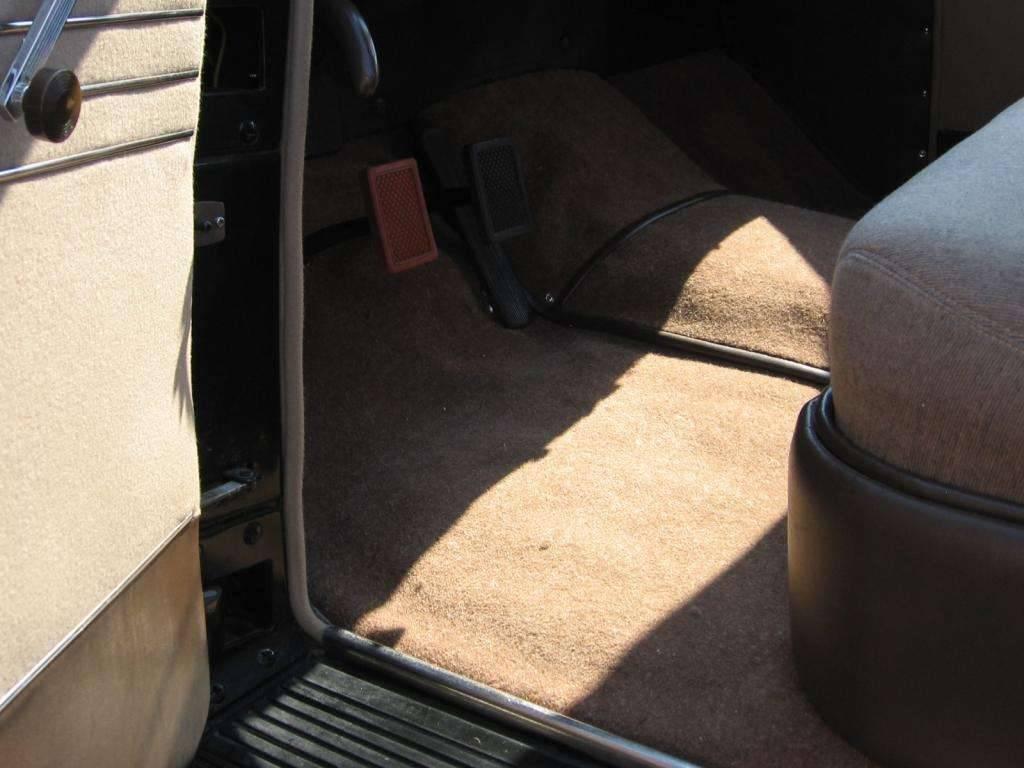 1941 Packard Clipper (carpet detail 5)