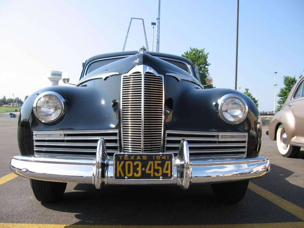 1941 Packard Clipper (front 2)