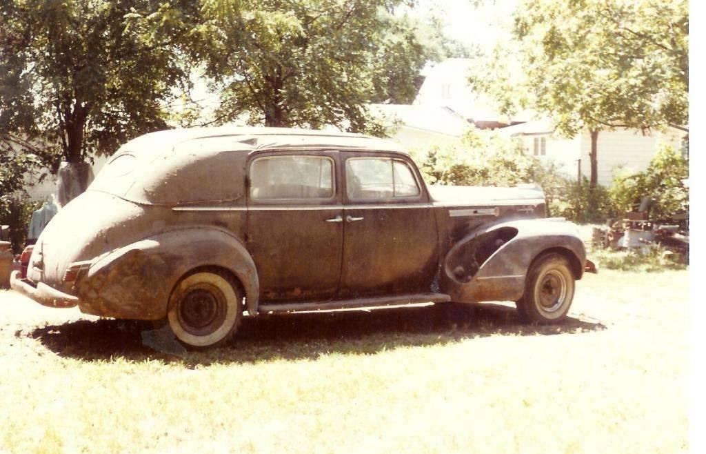 1942 180 Formal Sedan (before)