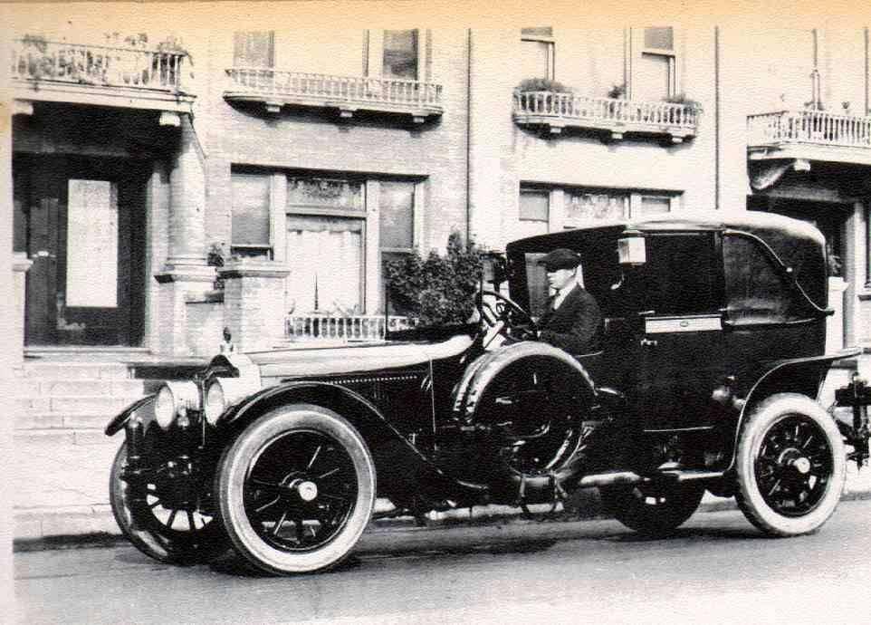 1918_3-35_TwinSix