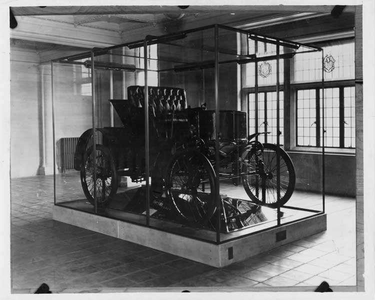 1899 Packard on display at Lehigh University