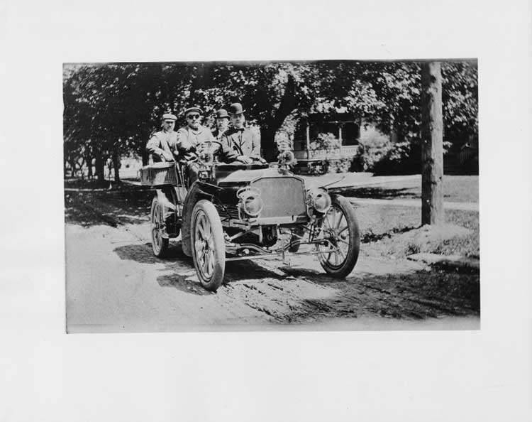 1904 Packard Model L with four male occupants in Webster, 1905