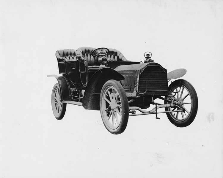 1905 Packard Model N touring car