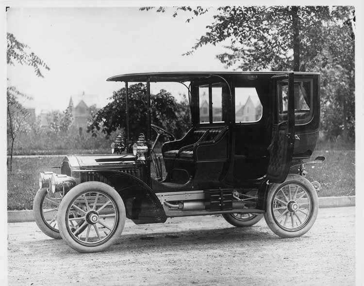 1905 Packard Model N limousine