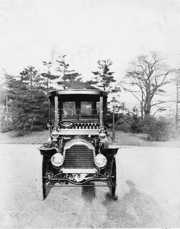 1905 Packard Model N limousine, front view