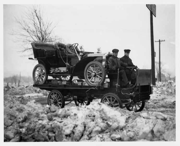 1905 Packard Model N loaded onto a 1905 Packard truck