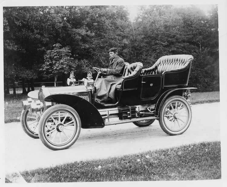 1905 Packard Model N touring car driven by Tom Fletch