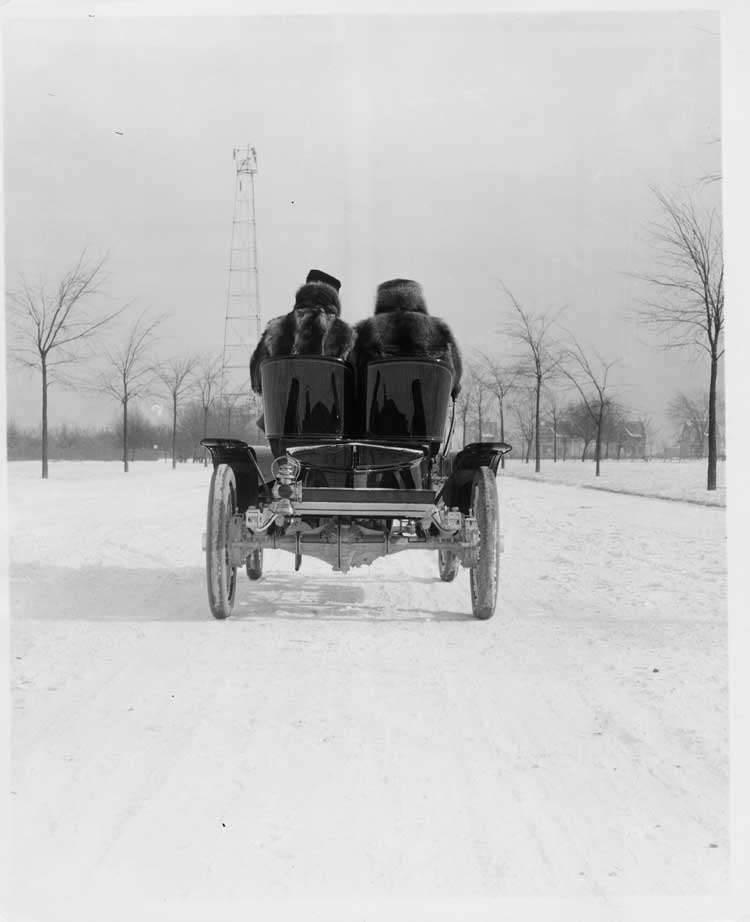 1905 Packard Model N roadster, back view