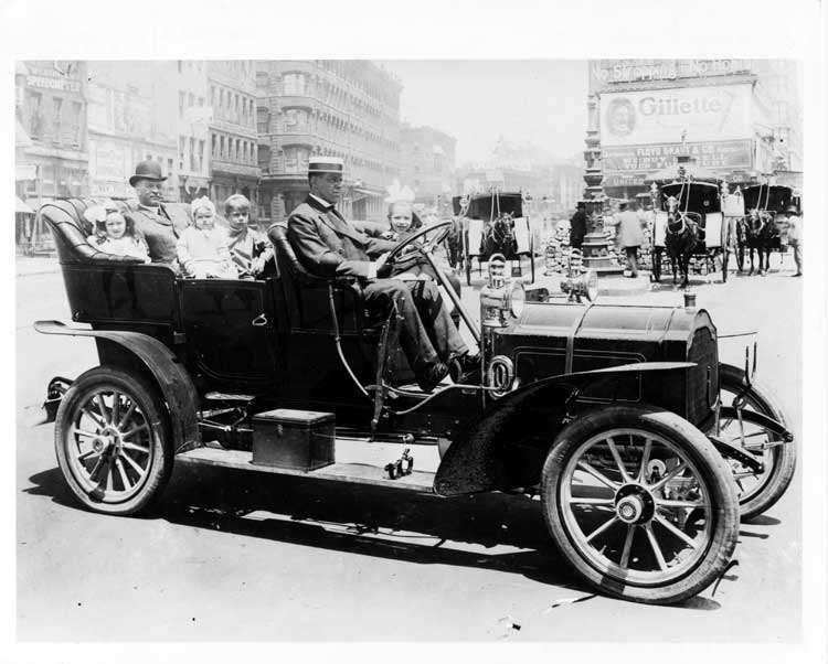 1906 Packard 24 Model S touring car in Times Square, New York City