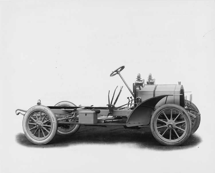 1906 Packard 24 Model S chassis, three-quarter front right side