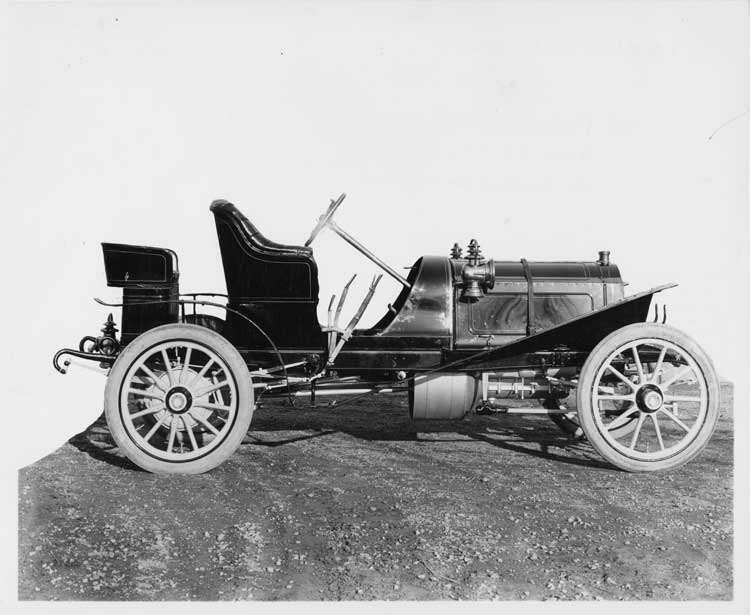 1906 Packard 24 Model S runabout, right side view