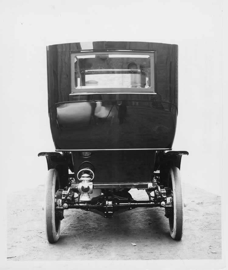 1906 Packard 24 Model S limousine, rear elevation