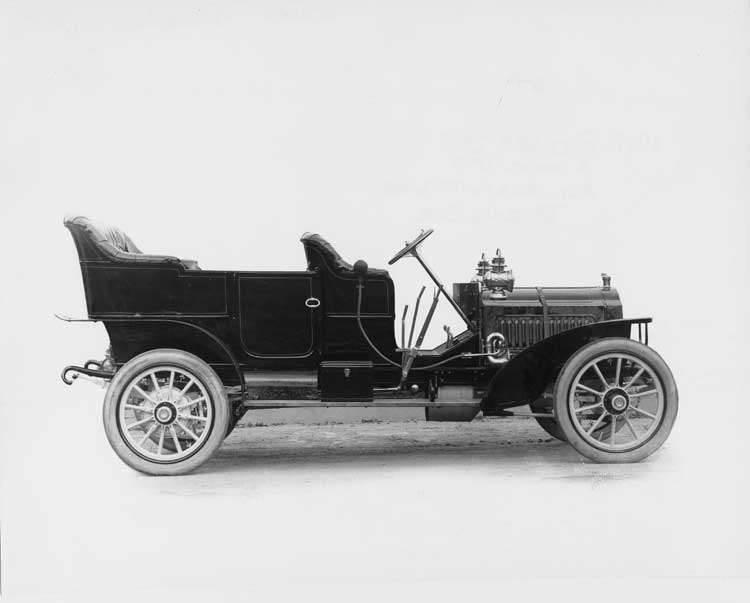1907 Packard 30 Model U touring car, right view, no top