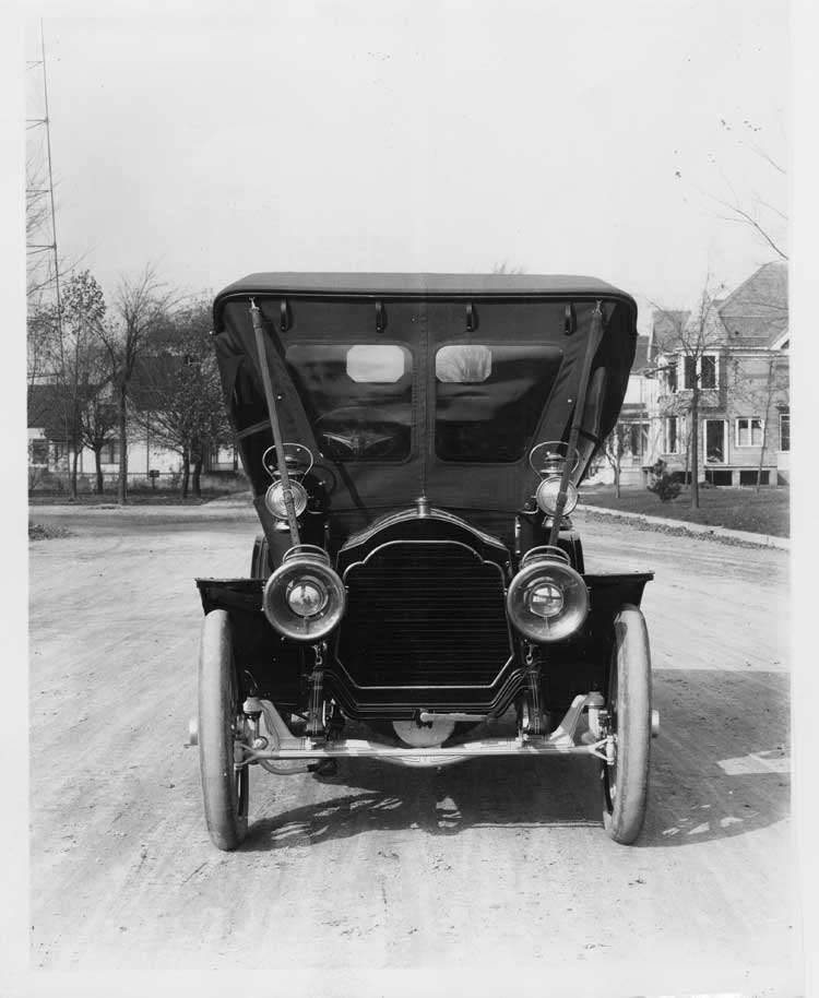 1907 Packard 30 Model U fully enclosed, front view