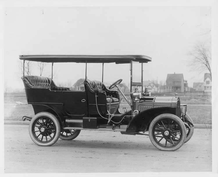 1907 Packard 30 Model U with canopy