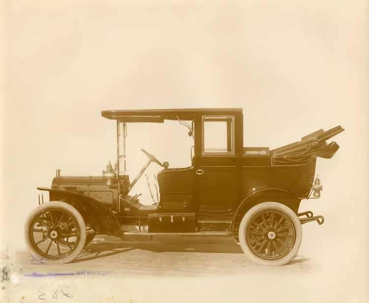 1908 Packard 30 Model UA landaulet, left side view