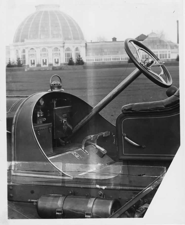 1908 Packard 30 Model UA close up of controls